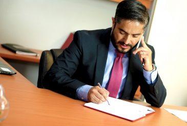 Choix d'un avocat : une décision importante et dans l'urgence